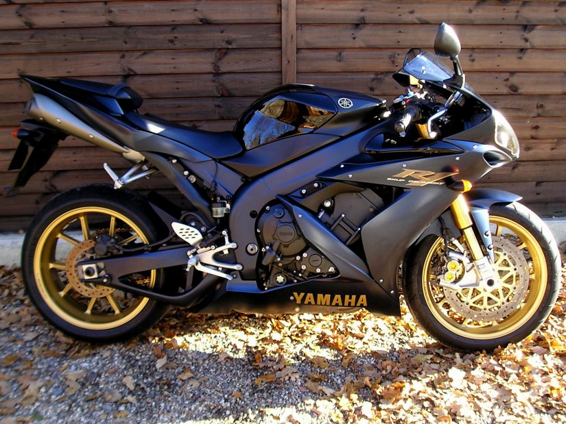 Sold yamaha yzf r1 sp 47 500 1 of just 500 european for 2006 yamaha r1